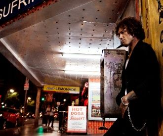 Enrique Bunbury-background